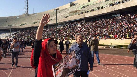 مراسم تشییع جنازه هادی نوروزی(+گزارش تصویری)