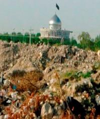 هشدار در خصوص دفن زباله های بیماری زا در برازجان+تصاویر