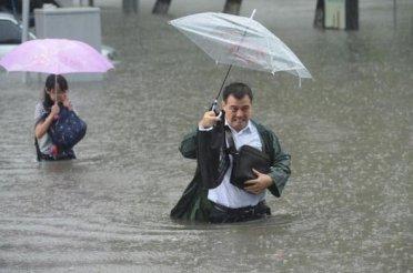 تصاویر : جاری شدن سیل در پکن