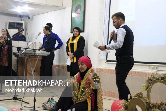 تصاویر اختصاصی «اتحاد خبر» از اجرای نمایشنامه خوانی طنز در برازجان (1)