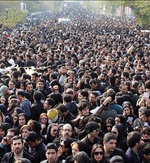 چرا ما ایرانیها «خودزنی ملی» میکنیم؟