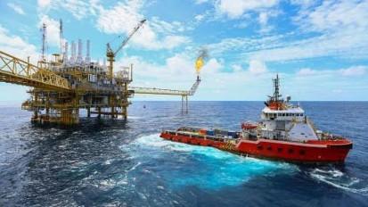 آمریکا امروز تکلیف فروش نفت ایران را یکسره میکند/پایان معافیت 8 کشور برای خرید نفت از ایران؟