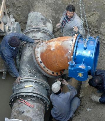طرح نوسازی شبکه آبرسانی ۳ شهر استان بوشهر اجرا میشود