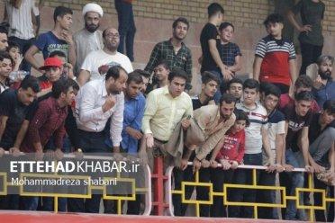 تصاویر اختصاصی اتحاد خبر از حاشیه های دیدار هندبال لیگ برتر در برازجان / از حمایت بی سابقه تماشاگران تا گرمای سالن مسابقه