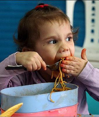 ۴۰۰۰ کودک استان بوشهر تحت پوشش طرح یک وعده غذای گرم قرار گرفتند