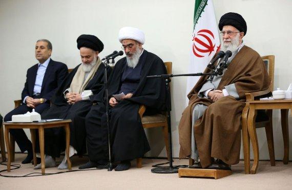 رهبر انقلاب: استان بوشهر منطقهای حساس و سرشار از افتخارات نظامی است+تصاویر