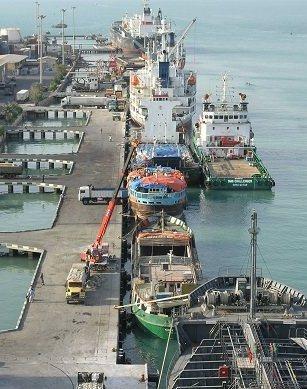 تخلیه و بارگیری کالا در بوشهر دو برابر شد/ افزایش صادرات غیرنفتی